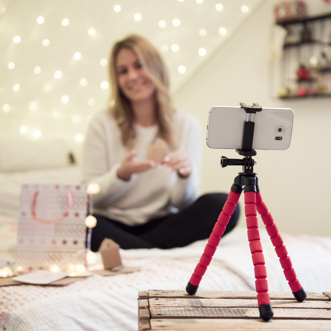 awx3 High-Res Appliance 3 - Hama, Flex Tripod for Smartphone and GoPro, 26 cm, red