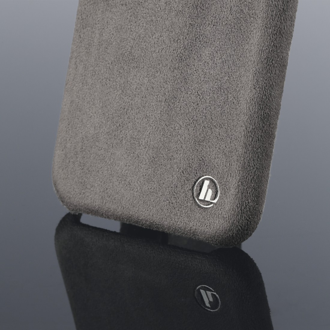"dex3 High-Res Detail 3 - Hama, ""Finest Touch"" Cover for Samsung Galaxy S20+ (5G), anthracite"